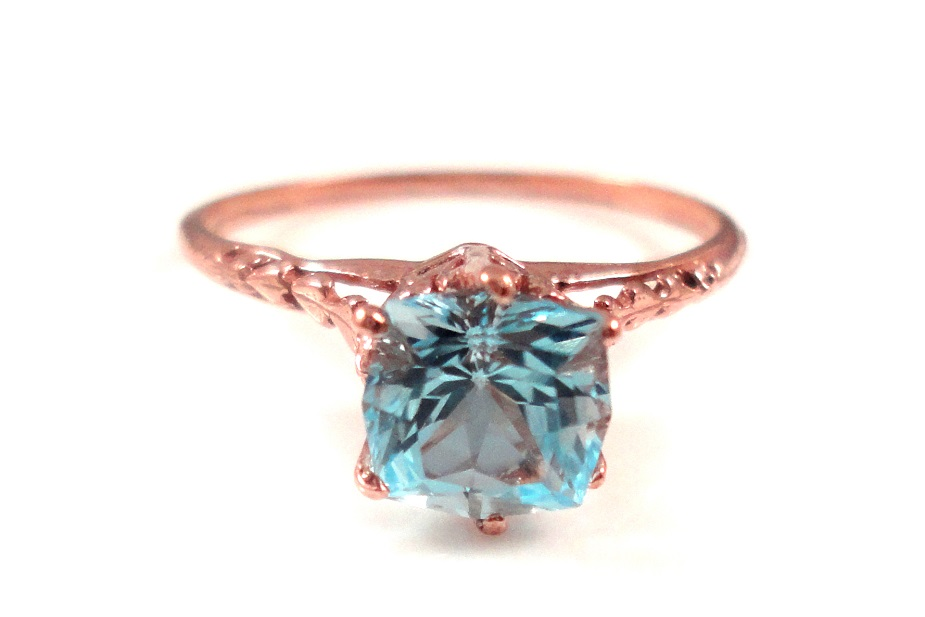 Vintage Aquamarine rose gold ring